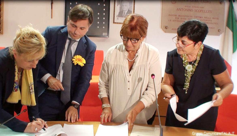 Gioia Tauro: la Bandiera dei Diritti Umani e della Dieta Mediterranea sul Porto del Mediterraneo